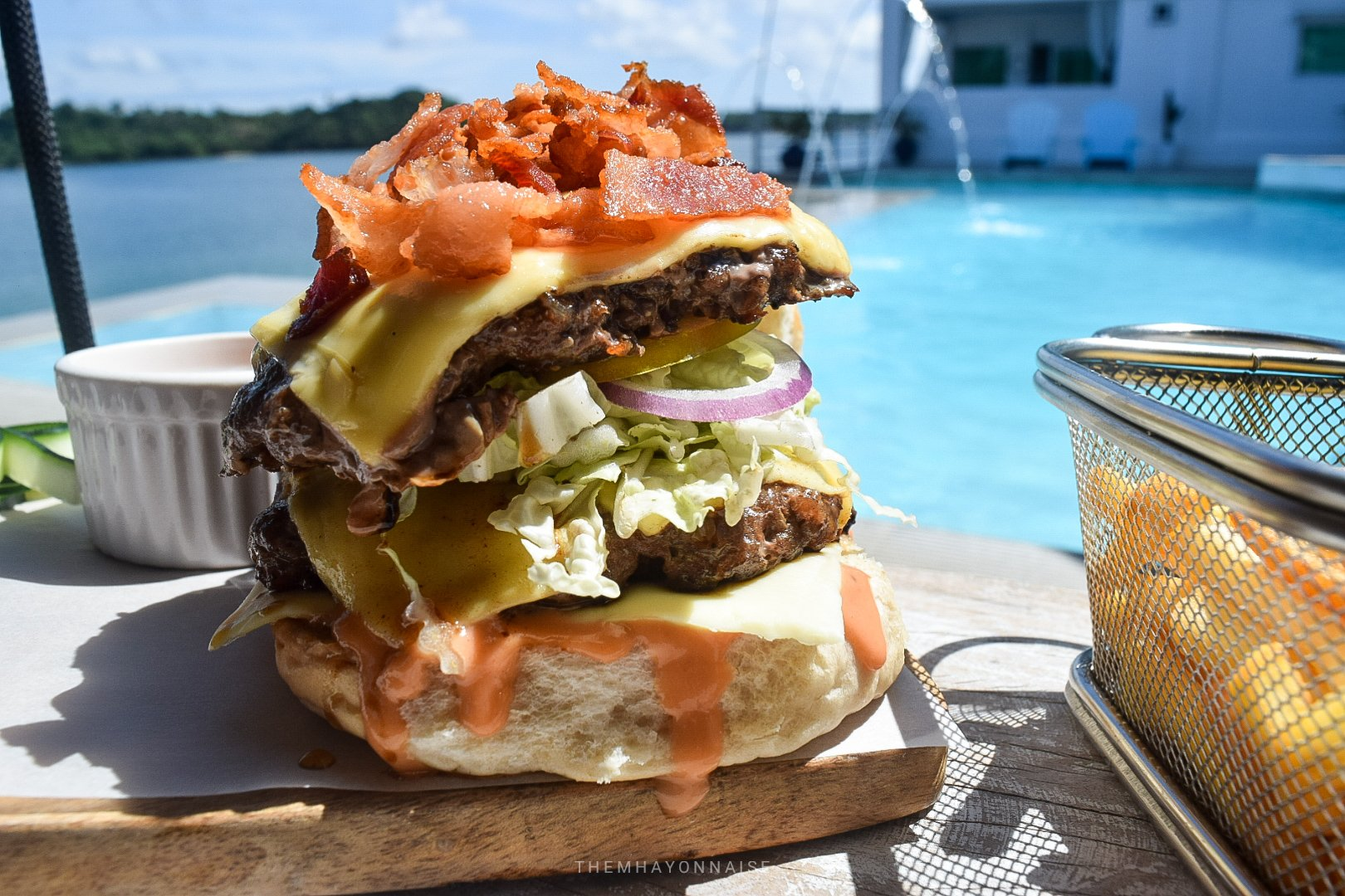 bacon cheeseburger | ciao pizzeria by the sea | sundowners bolinao | themhayonnaise