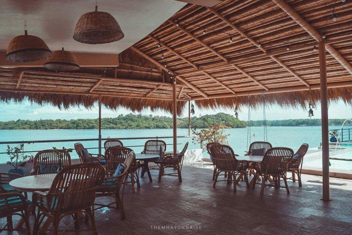 ciao pizzeria by the sea | sundowners bolinao | themhayonnaise